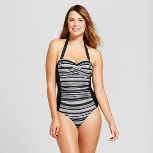 Merona Women's Twist Front Halter Swimsuit Size M